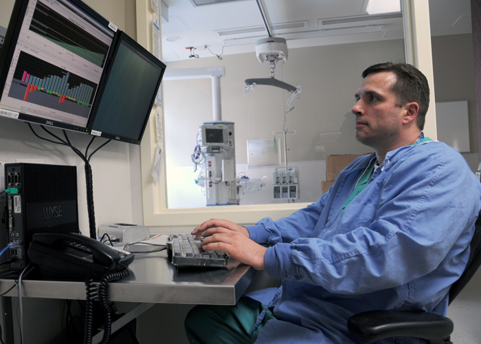 Jeff Fields tests the Burn Resuscitation Decision Support System-Clinical system at the USAISR Burn Center