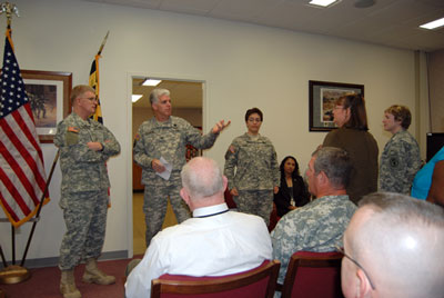 Lt. Gen. Eric Schoomaker visits USAMMDA on his farewell tour of USAMRMC and Fort Detrick