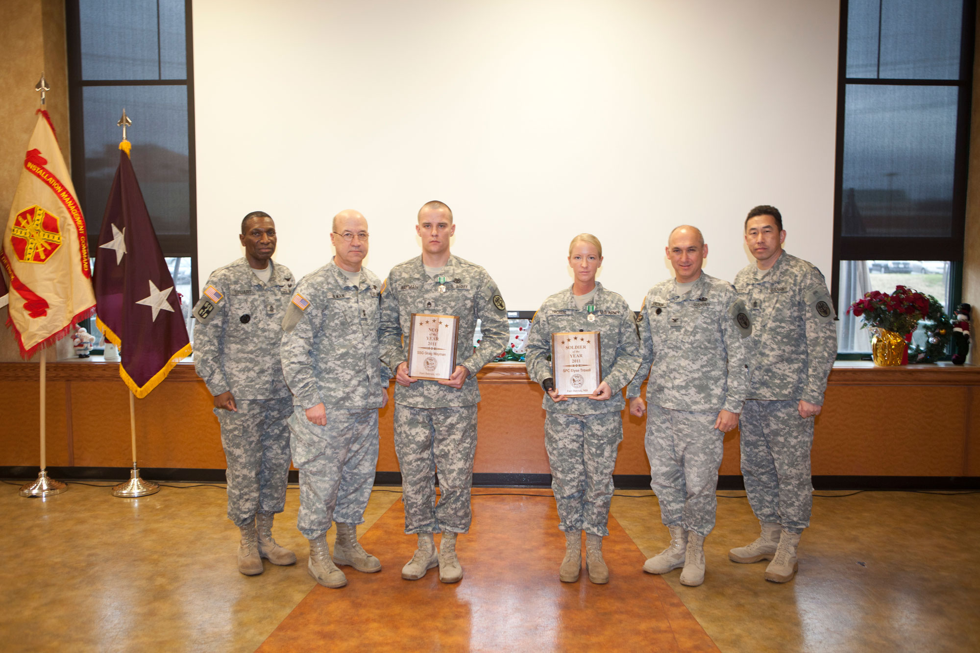 Fort Detrick leadership gathers to present awards to this year's winners